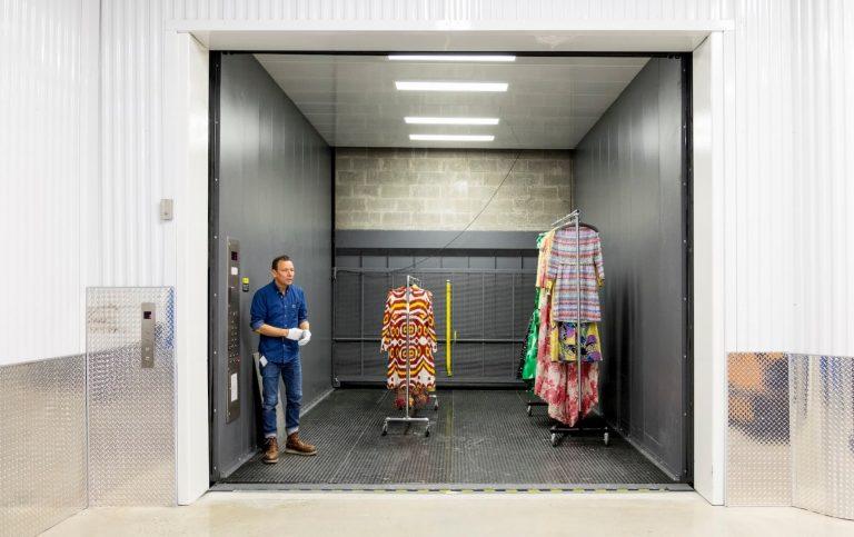 Fashion storage with an elevator